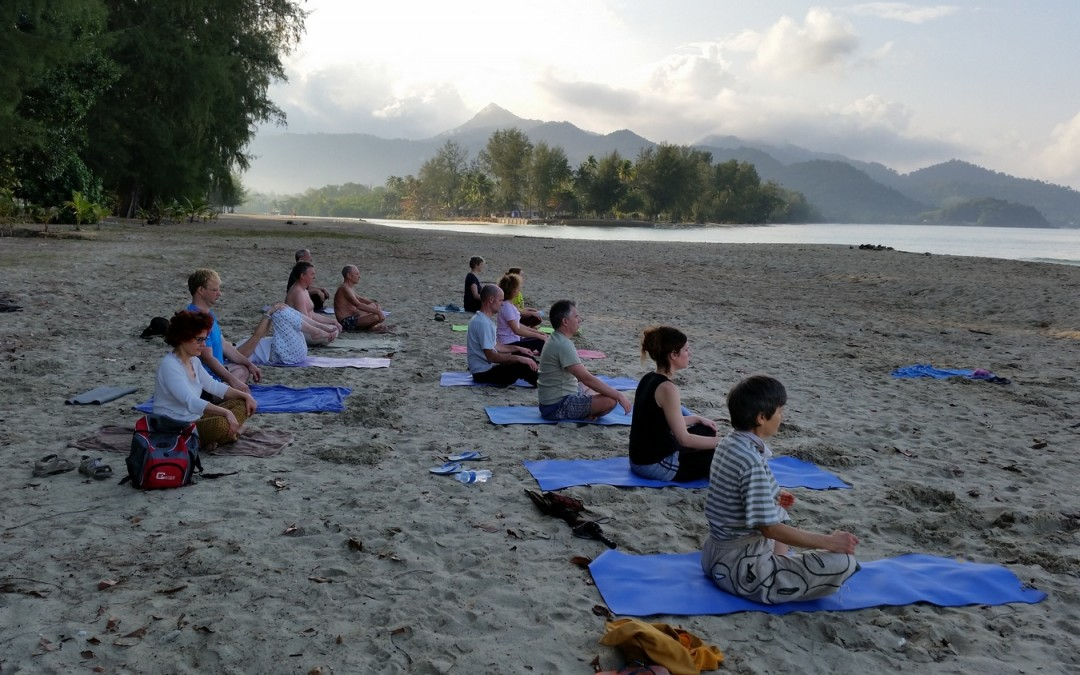 Stage Yoga Thaïlande Meditation lever du jour hatha exercices posture yogamanjali filla brion Paris 20