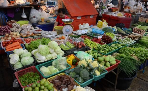 Stage Yoga marché legume Thailande